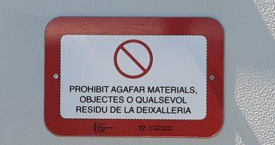 Prohibido Coger mobiliario de las Deixallerias